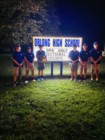The OPH Golf team returned from winning the Sectionals tournament Monday evening, October 4.  The team competes October 8 and 9 in the IHSA State Championship.